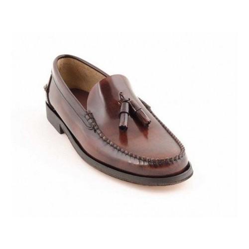 Zapato Castellano Burdeos Con Borlas Suela De Cuero